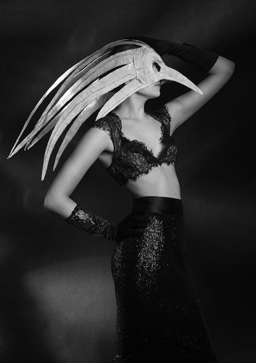 Nika-Danielska-Design-Haute-Macabre-_-06
