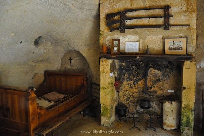 visitare casa troglodita Rochemenier francia