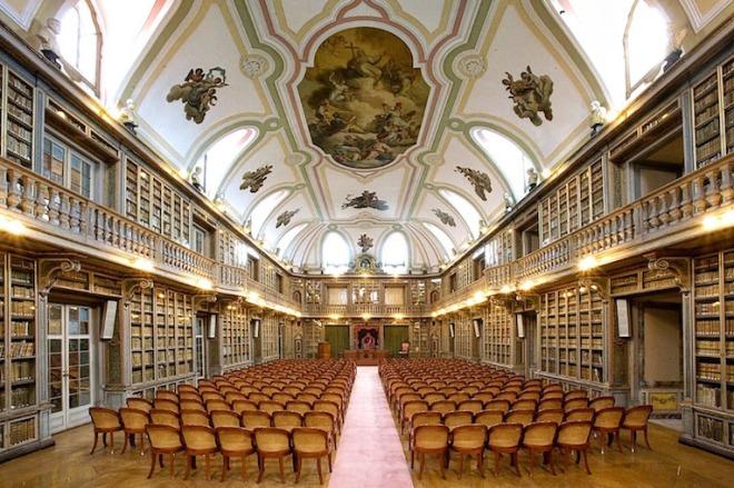 biblioteca-academia-ciencias-lisbona-portogallo