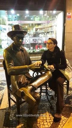 statua fernando pessoa listona